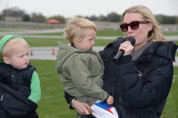 Susie Wheldon addresses the crowd at the Dan Wheldon Memorial ProAm (Photo Courtesy of IndyCar)